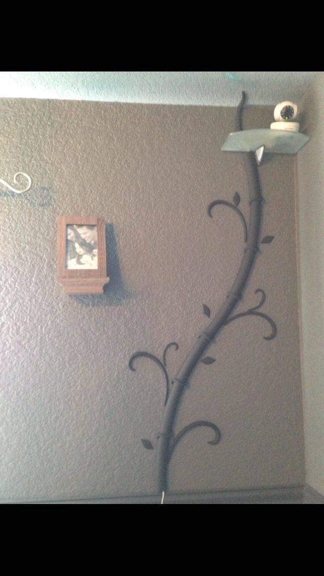 Как спрятать красиво провода в квартире от телевизора на стене