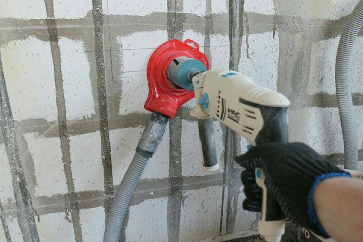 Чем проштробить стену под проводку без специального штробореза