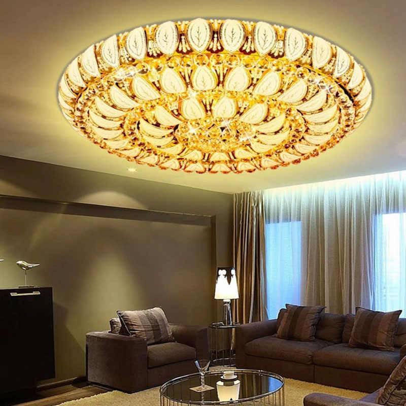 Подбираем потолочные люстры для низких потолков – как сделать комнату объемнее и светлее?