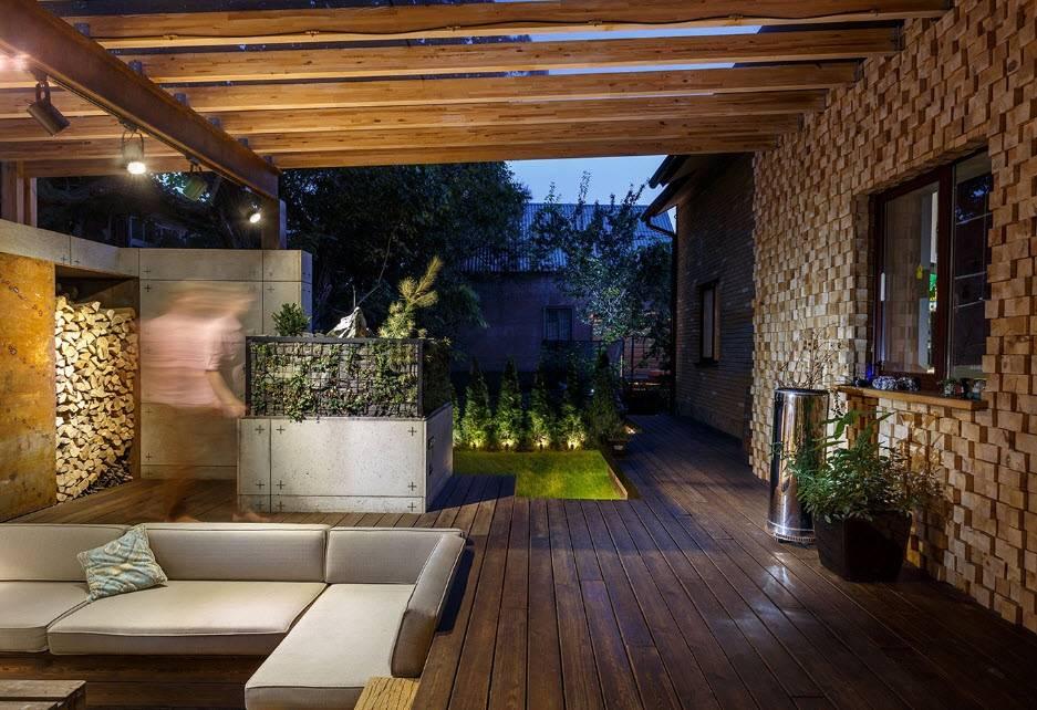 Как построить веранду, примыкающую к дому: открытый и закрытый варианты