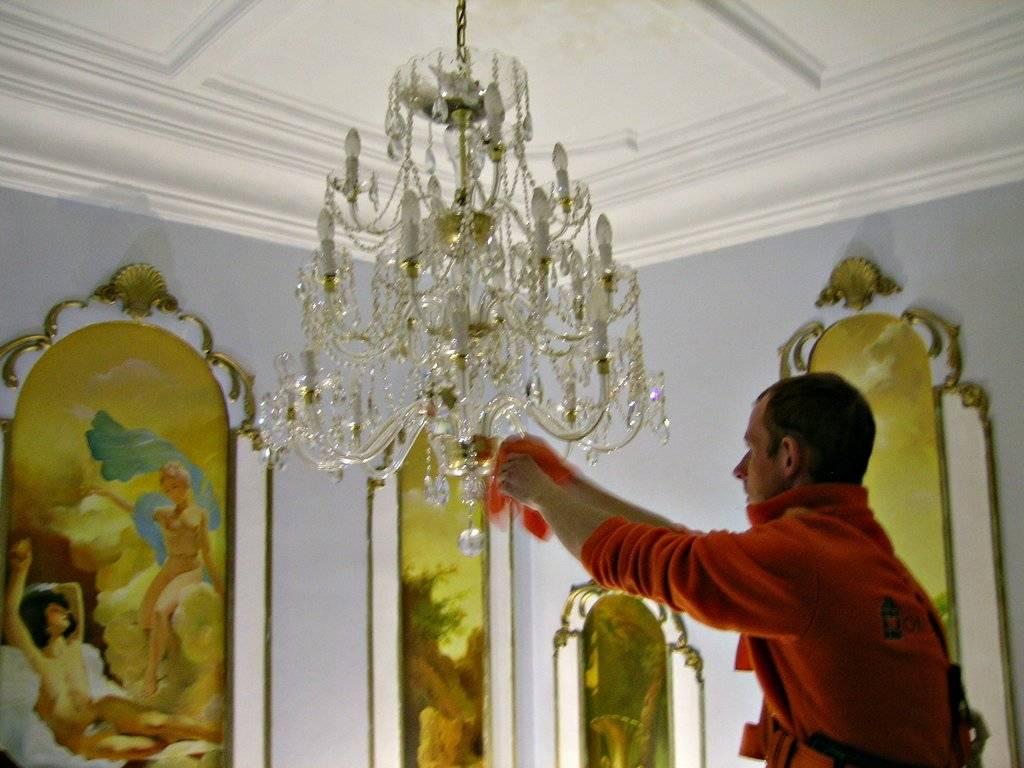 Как помыть хрустальную люстру с подвесками не снимая с потолка