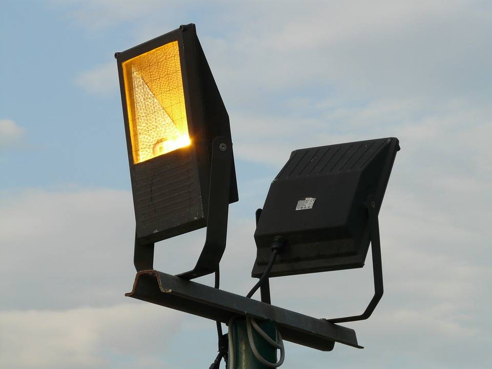 Как выбрать светодиодный прожектор — топ-11 лучших моделей