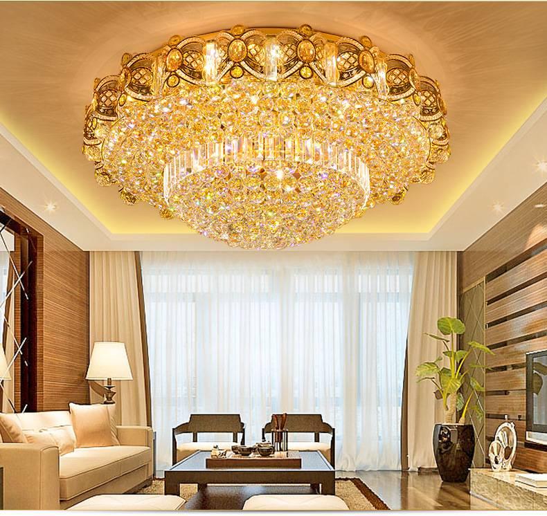 Как выбрать люстру для высокого потолка