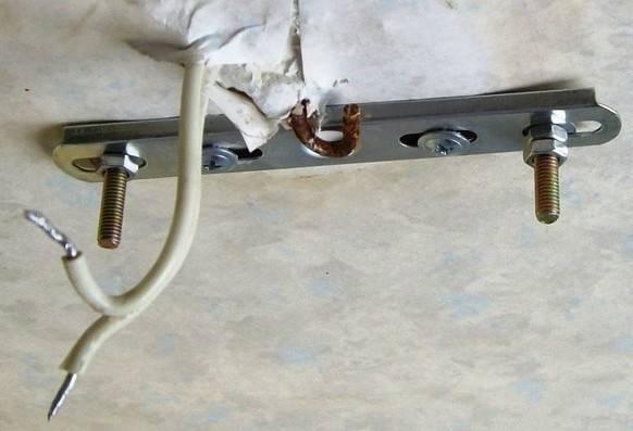 Как повесить люстру на потолок – варианты крепления, правила монтажа