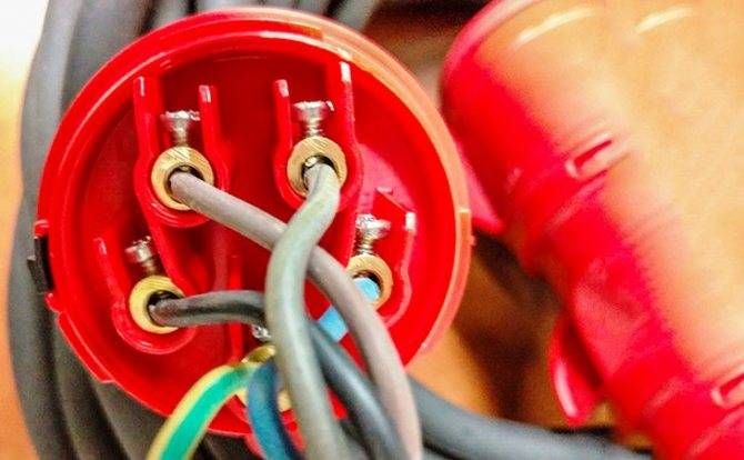 Как правильно подключить розетку на 380 вольт