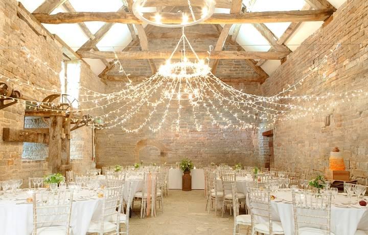 Стильный свадебный зал: варианты торжественного оформления