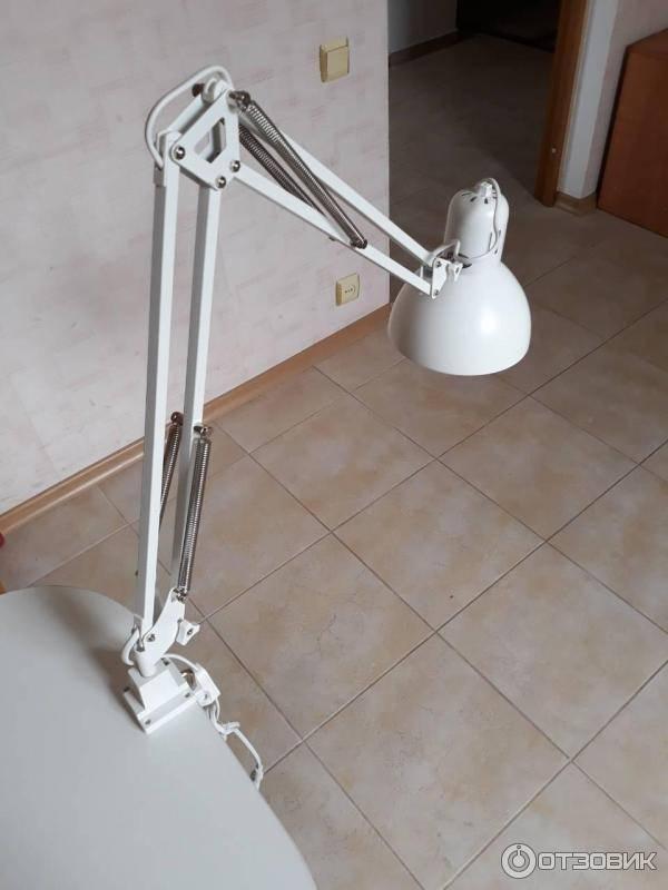 Как прикрепить настольную лампу к столу: способы установить, варианты крепления, инструкция, как просто прикрутить светильник