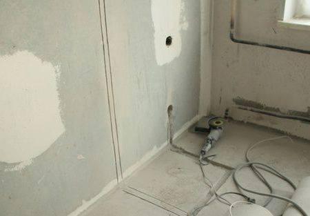 Как прокладывать кабеля в штробе: монтаж, фиксация гофры перед штукатуркой