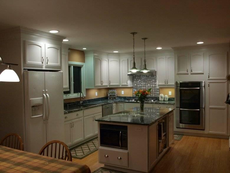 Точечные светильники на кухне: 50+ фото примеров, как выбрать
