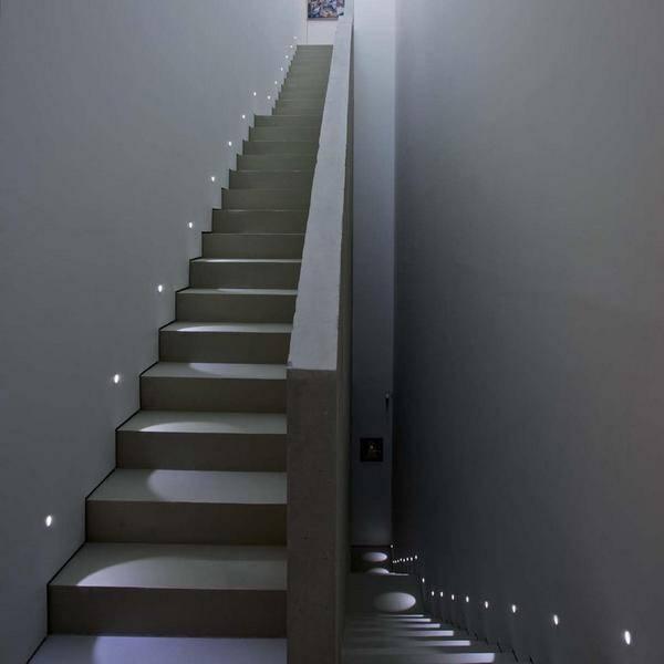 Подсветка лестницы: какую выбрать, как сделать самостоятельно - led свет