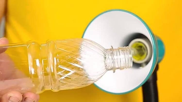 Как выкрутить цоколь, если лампочка разбилась или застряла?