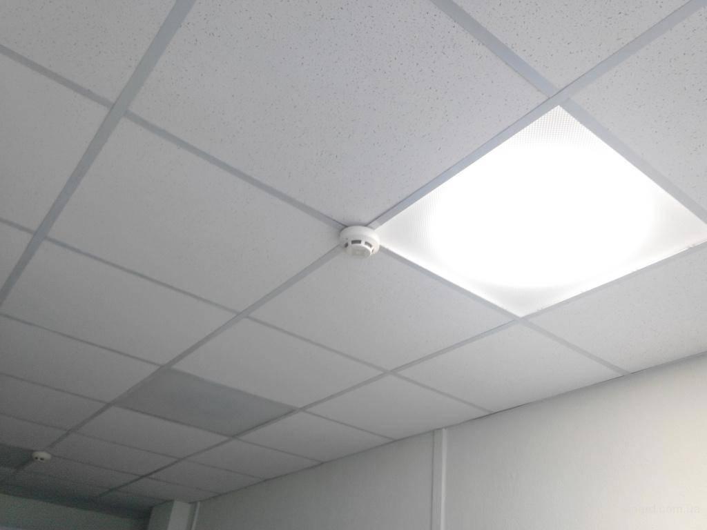 Какие светильники выбрать для потолка типа армстронг