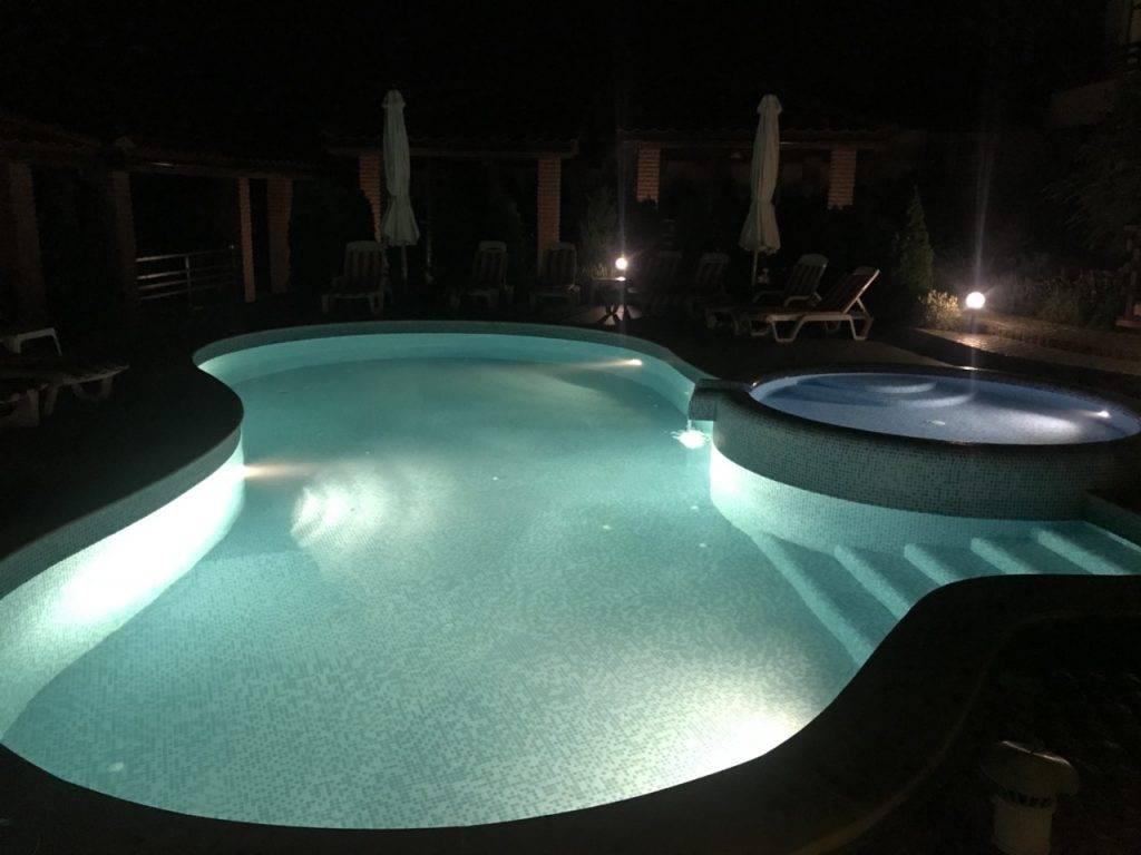 Как сделать подсветку для бассейна своими руками: советы по освещению бассейна, преимущества бассейнов с подсветкой