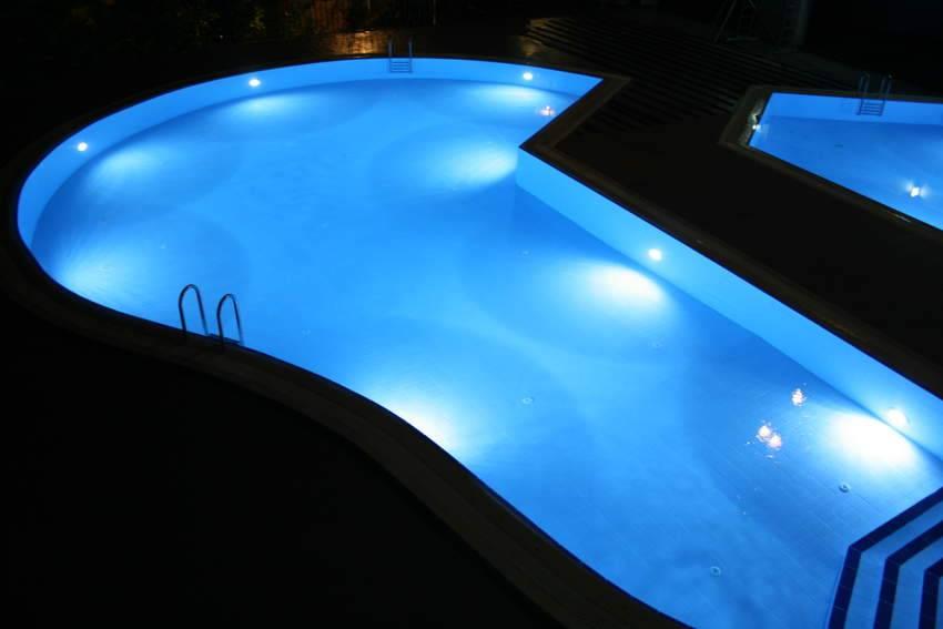 Как правильно сделать подсветку бассейна