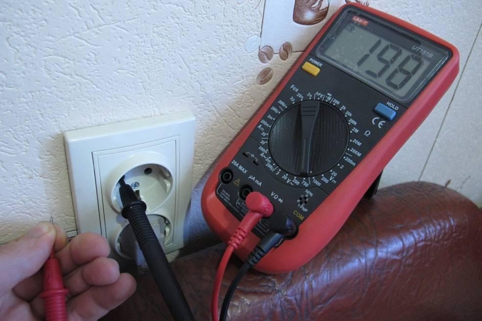 Как найти ноль и фазу индикаторной отверткой, мультиметром и без приборов?