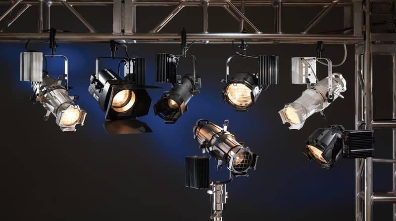 Подключение и установка своими руками наружного прожектора.
