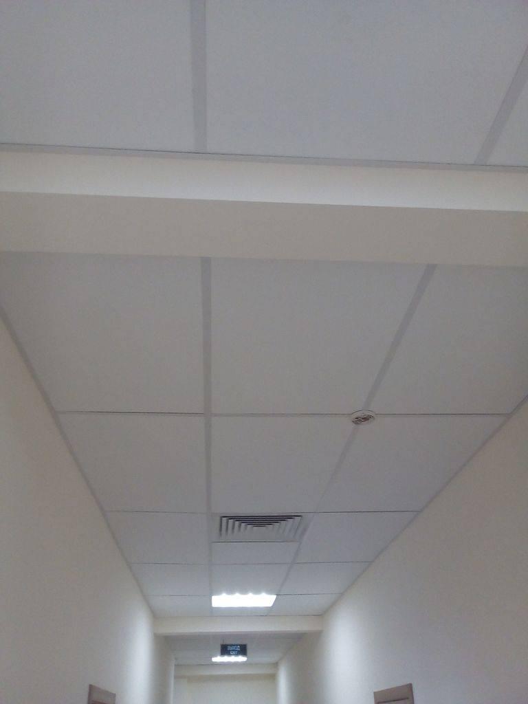 Монтаж потолка «армстронг» (49 фото): расчет и установка подвесов, размеры и комплектующие, как правильно монтировать своими руками – ремонт своими руками на m-stone.ru