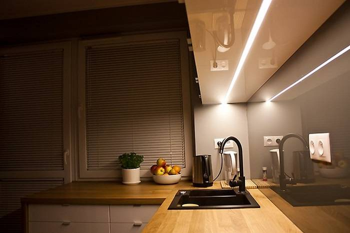 Освещение на кухне — правила освещения на кухне. свет в обеденной и рабочей зоны. виды ламп и их особенности. выбор освещения для кухни-гостиной (фото + видео)