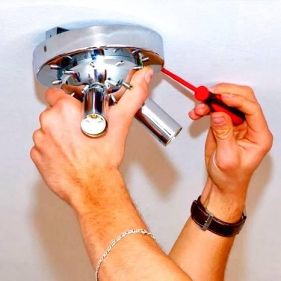 Как снять плафон тарелку с потолка