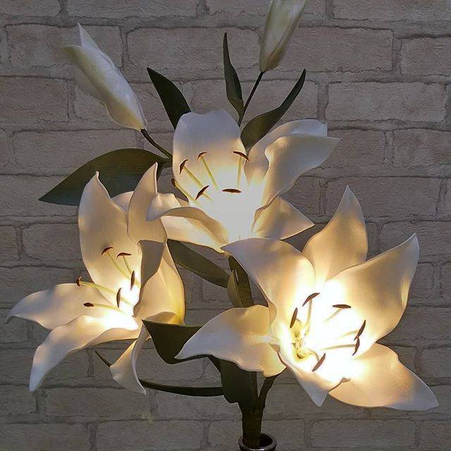 Большие цветы из изолона своими руками: пошаговый мастер-класс, секреты мастеров. примеры оформления торжеств ростовыми цветами. | крестик