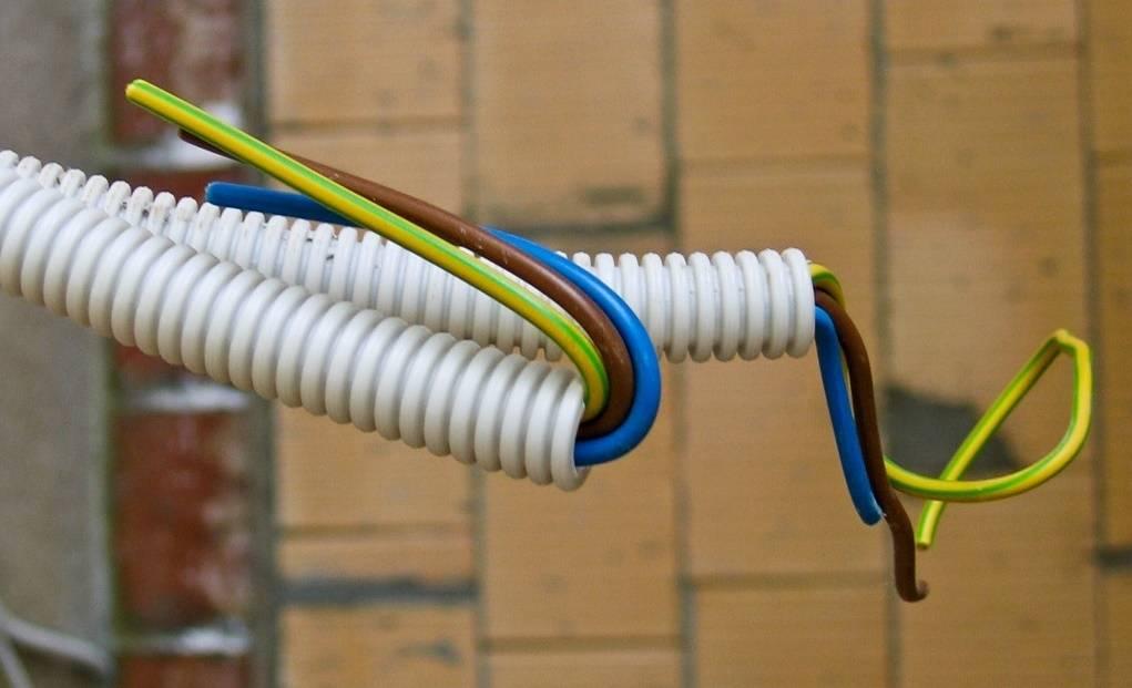 Виды гофр для электрических кабелей: советы по выбору и правила расчета размера гофры