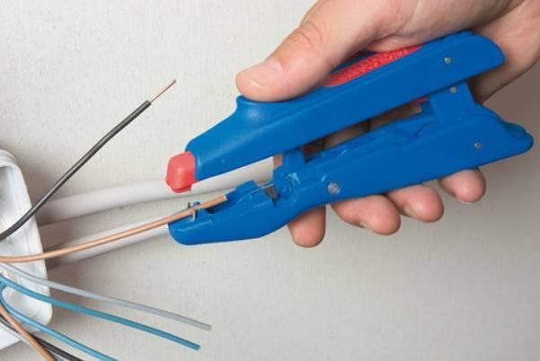 Как очистить провода от изоляции на цветмет?