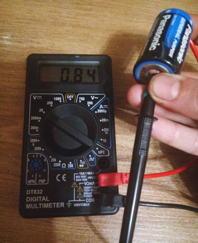 Как проверить мультиметром батарейку - multimetri.ru
