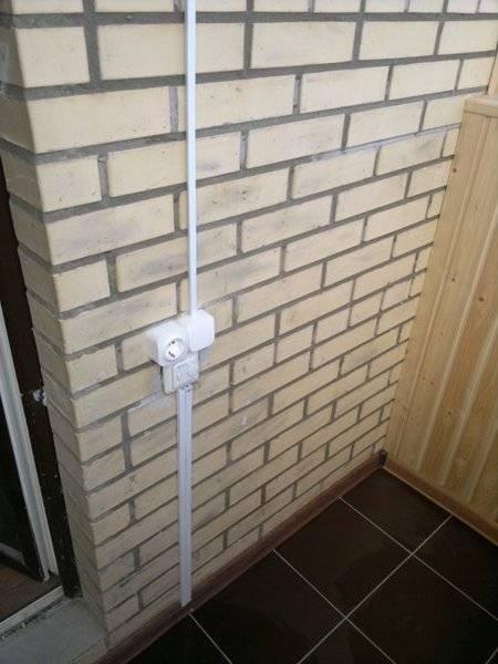 Освещение на балконе - требования к нему и правила монтажа