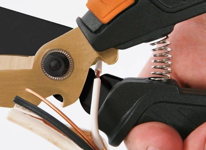 Как зачистить тонкие провода от изоляции