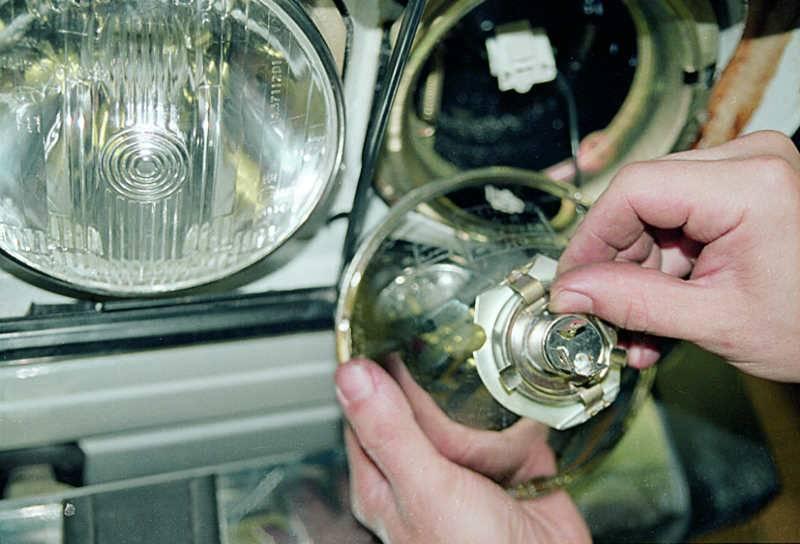 Замена противотуманной лампы lada priora (ваз приора)