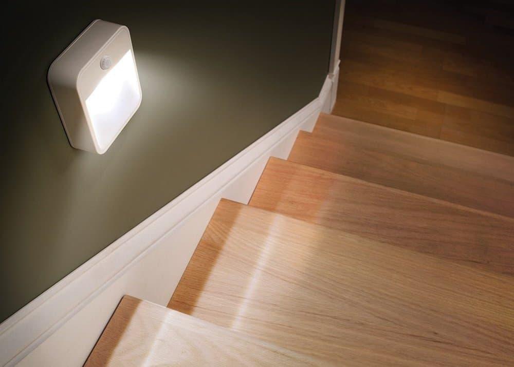 Подсветка пола в квартире: выбор ламп, варианты размещения и установка