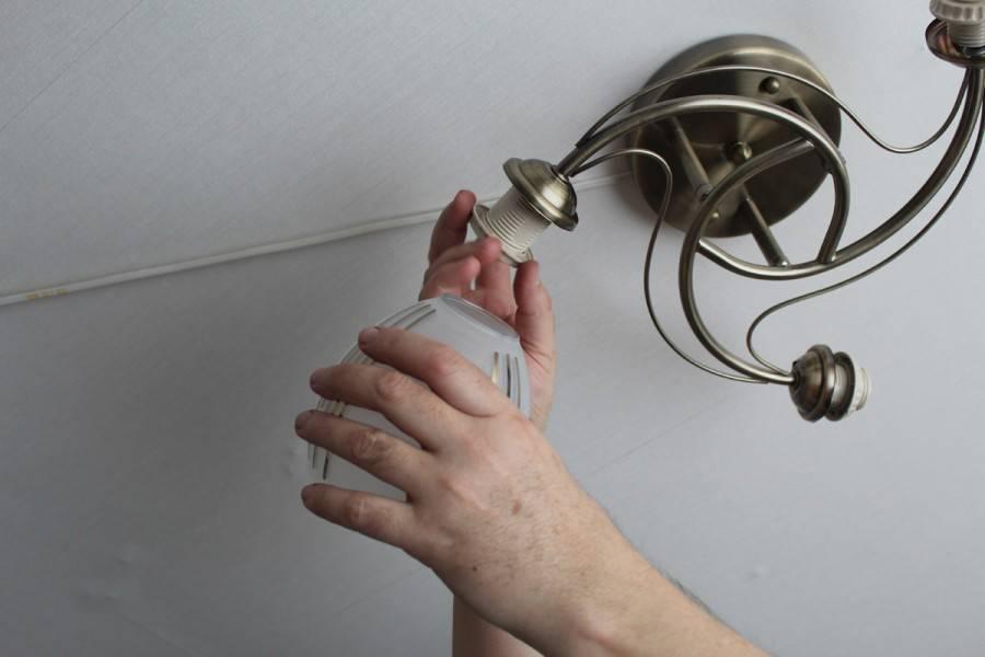 Установка встроенных светильников в натяжной потолок. разбор ошибок. – самэлектрик.ру