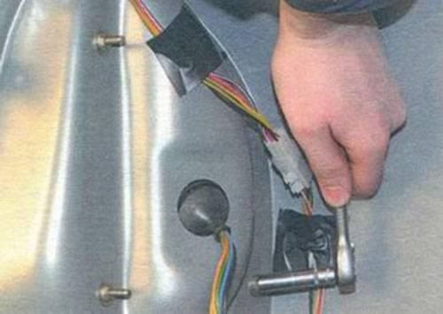 Замена лампочки птф приора без снятия бампера