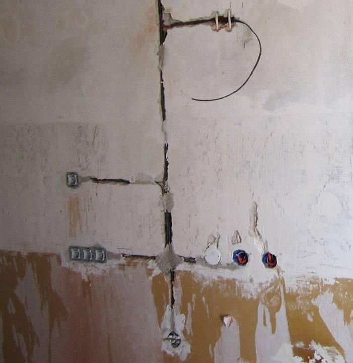 Как штробить стены под проводку в панельном доме: можно ли это делать