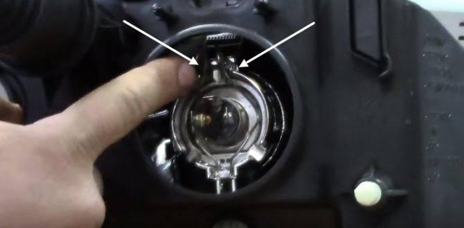 Замена ламп вблок-фаре renault logan