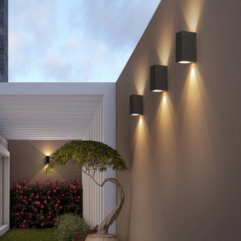 Варианты освещения на балконе и лоджии, советы, как провести свет на балкон своими руками, а также сравнение различных ламп и подсветок и выбор светильников