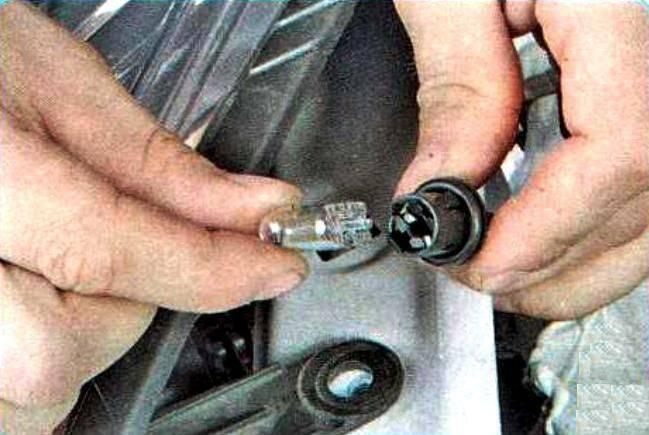 Замена ламп в задних фонарях renault sandero