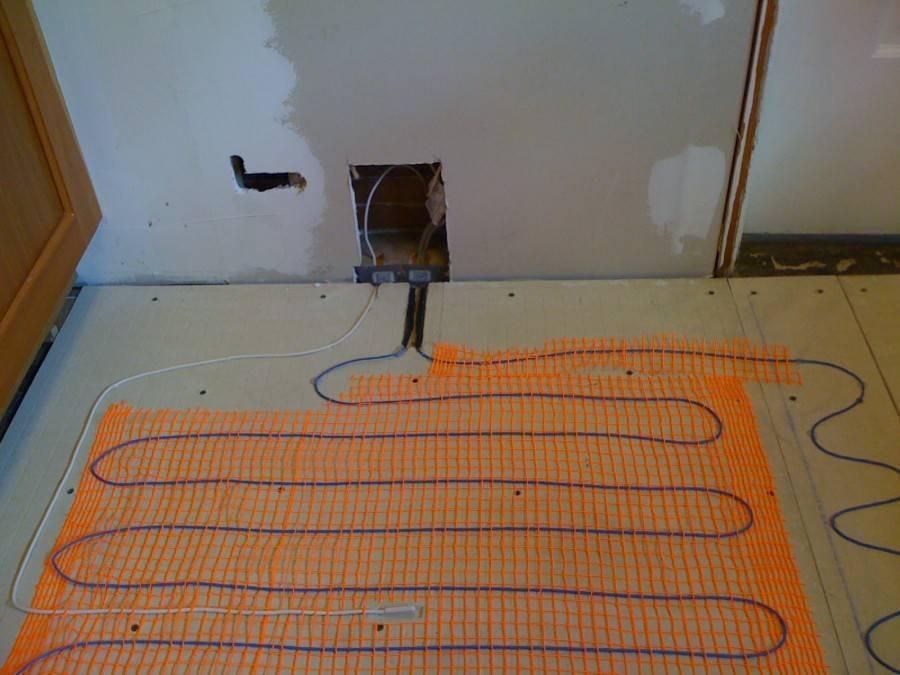 Как правильно положить теплый электрический пол под плитку?