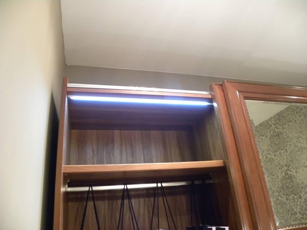 Как сделать подсветку в шкафу купе? - все про мебель