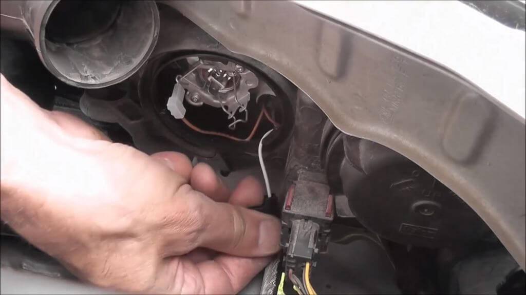 Инструкция по замене лампочки
