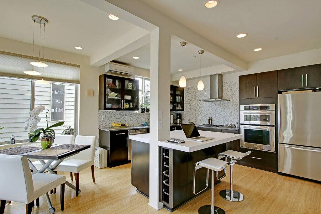 Кухня совмещенная с гостиной. 7 хитростей от дизайнеров + 100 идей
