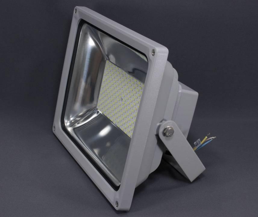 Ксеноновые прожекторы: что это такое, где используется, какой выбрать