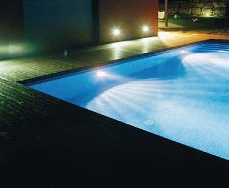 Как правильно сделать освещение бассейна своими руками