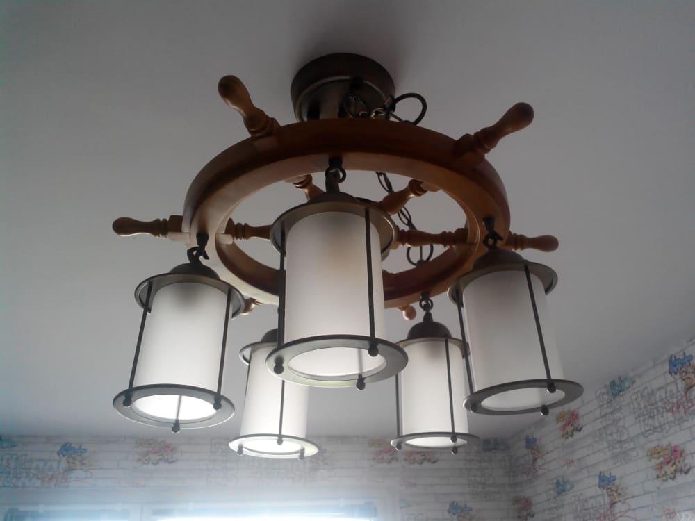 Как заменить точечный светильник на потолке