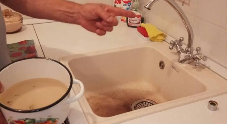 В ванной бьет током: почему это происходит и что делать