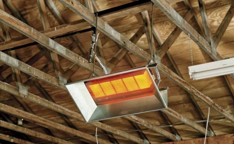 Обогрев курятника зимой с помощью инфракрасных ламп