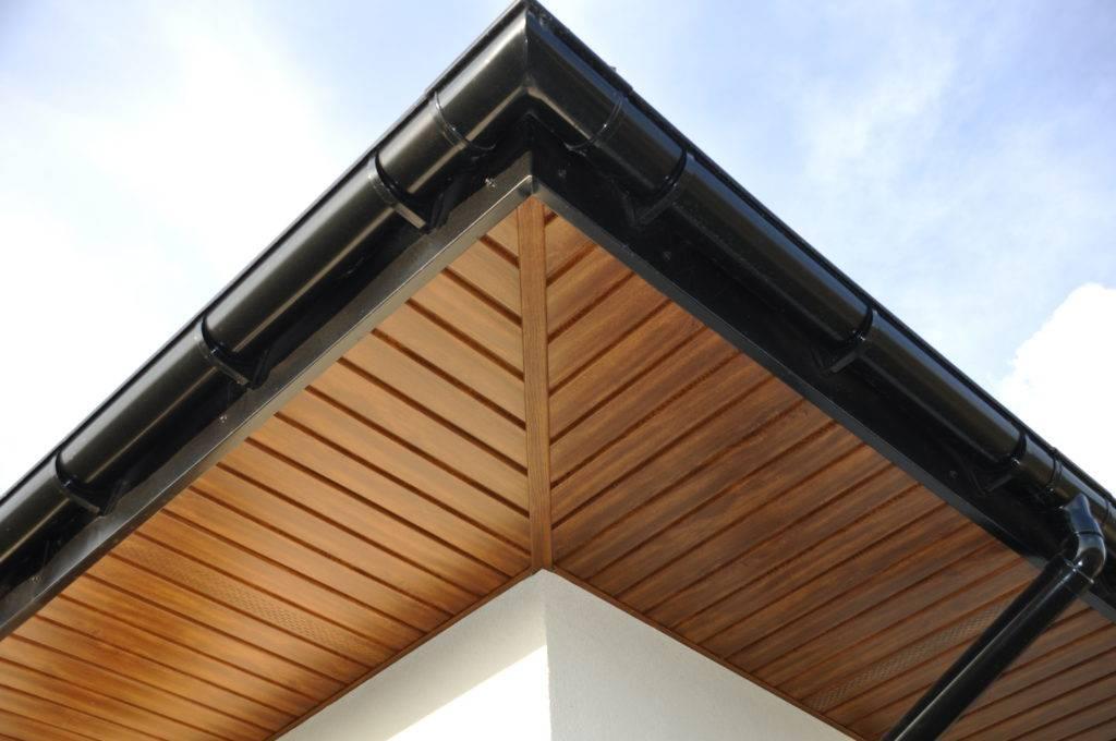 Устройство софитов крыши – выбор материала и правила установки