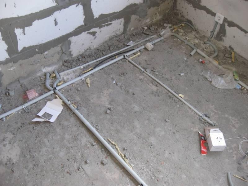 Электропроводки под стяжкой в трубах