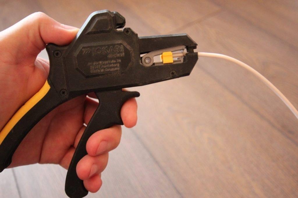 Как выбрать инструмент для зачистки изоляции проводов