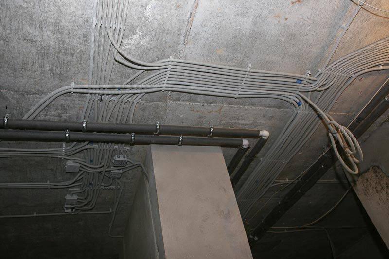 Как проложить кабель в земле - 20 глупых ошибок. идеальная траншея и подземный кабельный ввод.